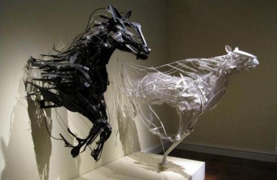 动物世界来袭 废塑料造就的艺术