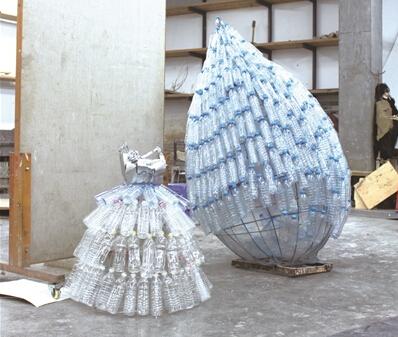 经常会在大街上或垃圾桶里看到各种被丢弃的塑料瓶